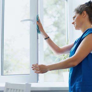 Read more about the article Чем отмыть пластиковые окна: желтые пятна, скотч, монтажную пену