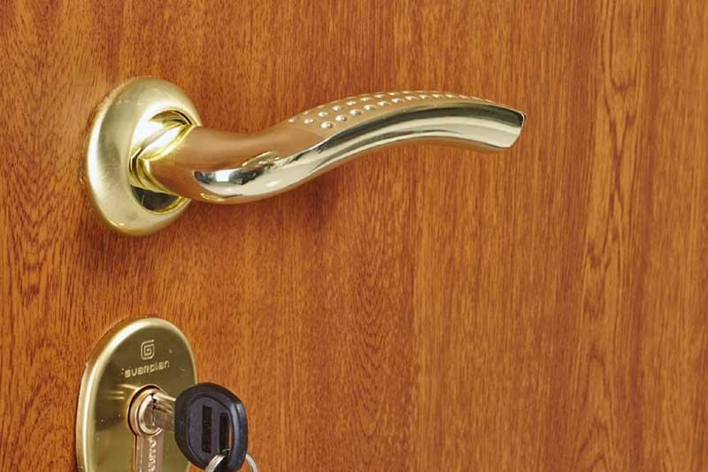 Дверь с ламинатом изнутри