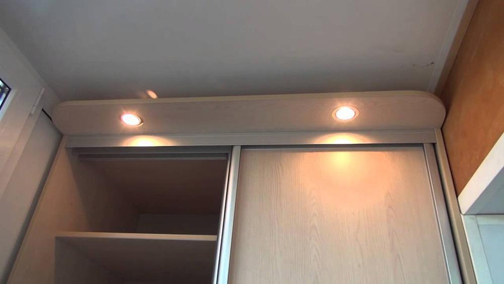 Подсветка шкафа на балконе