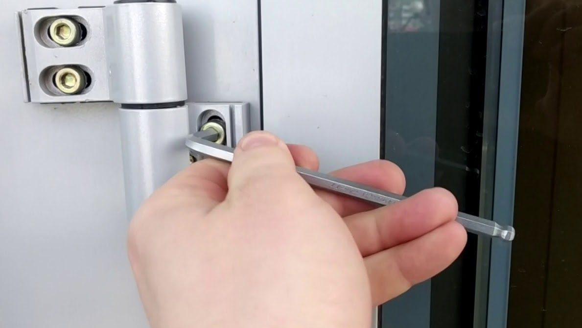Шестигранник подходит для регулировки петли в алюминиевой двери