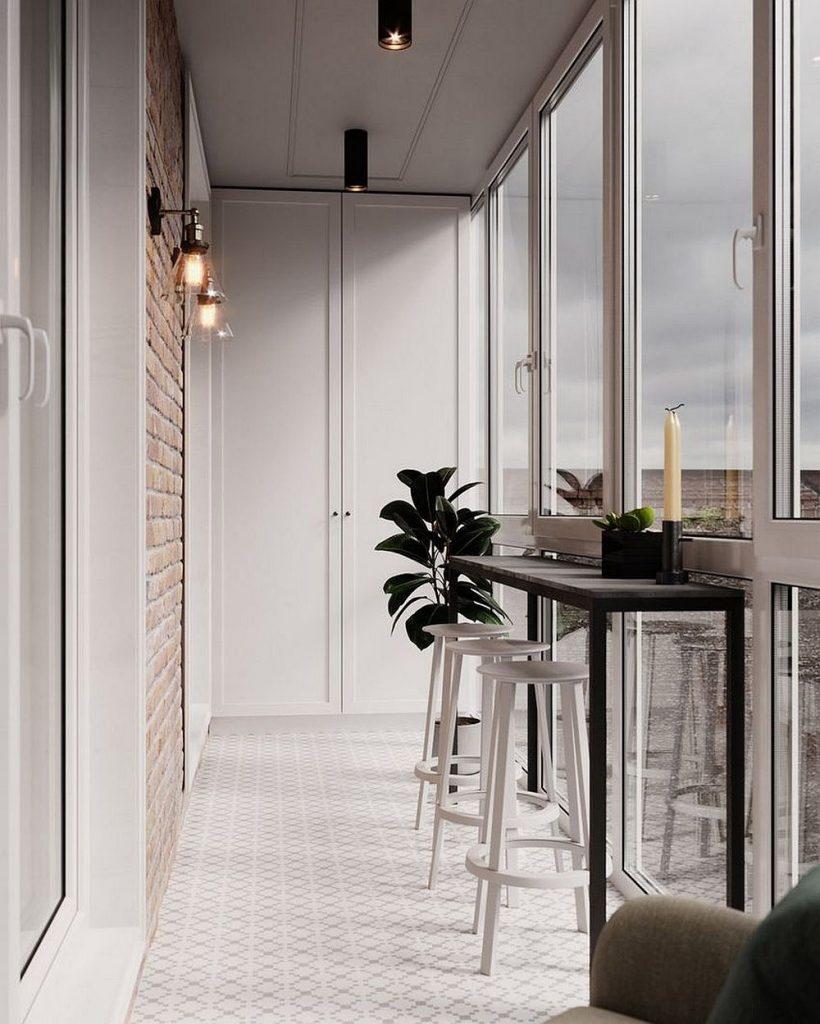 Шкаф для панорамно остекленного балкона