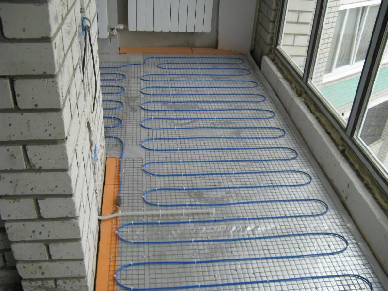 Укладка теплого пола змейкой на балконе