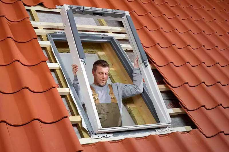 Велюкс мансардное окно - установка в проеме крыши