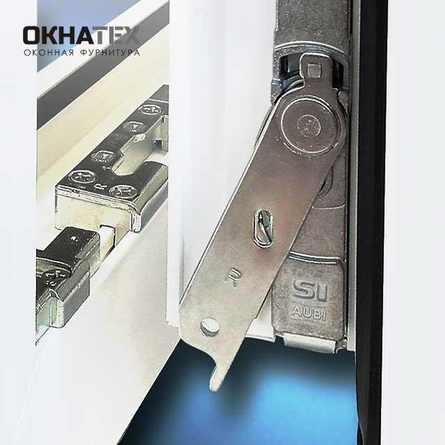 Регулировка пластиковой двери на балкон с фурнитурой Siegenia