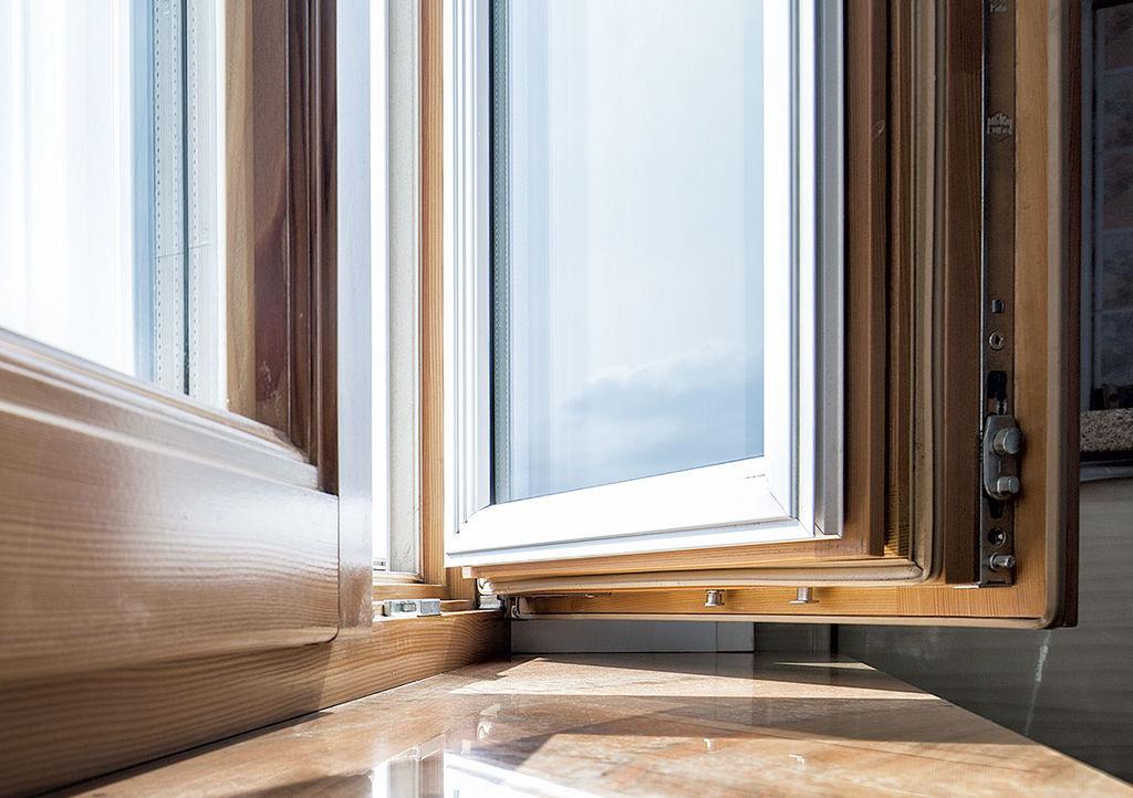 Ремонт деревянных окон, замена стеклопакета в евроокне
