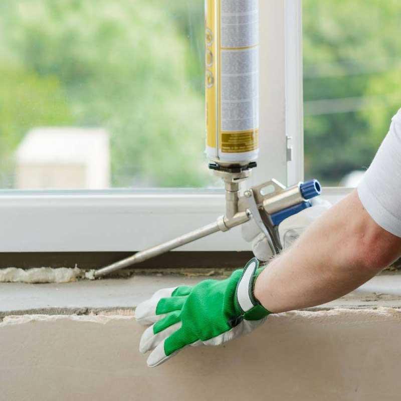 Дует из-под подоконника пластикового окна — что делать?