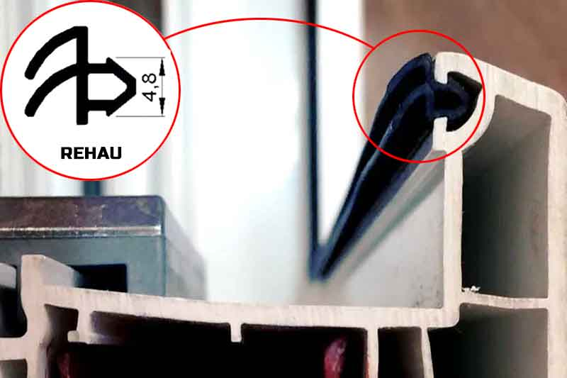 Замена уплотнителя на пластиковых окнах Rehau
