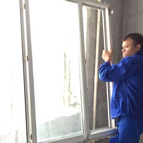You are currently viewing Установка окна ПВХ  своими руками: пошаговая инструкция